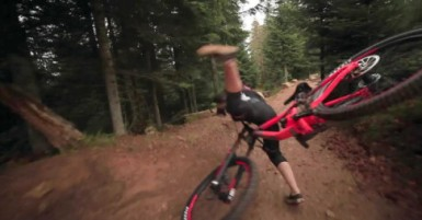 girl-mtb-crash-1-486x254